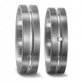 51411 titanium trouwringen met een groef in het midden met 0.02 crt. briljant