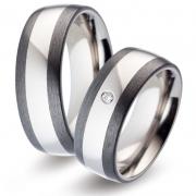 52475 trouwringen titanium met carbon Titan Factory