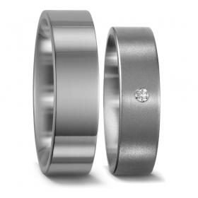 50887 eenvoudige matte titanium trouwringen Titan Factory met 0.03 crt. briljant