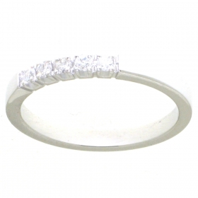 0549-016 witgouden ring met 5 briljanten samen 0.16 crt
