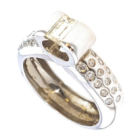 3059-079 Witgouden damesring met 0.79 crt. diamant