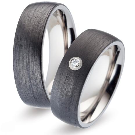 52483 Titan Factory titanium met carbon trouwringen
